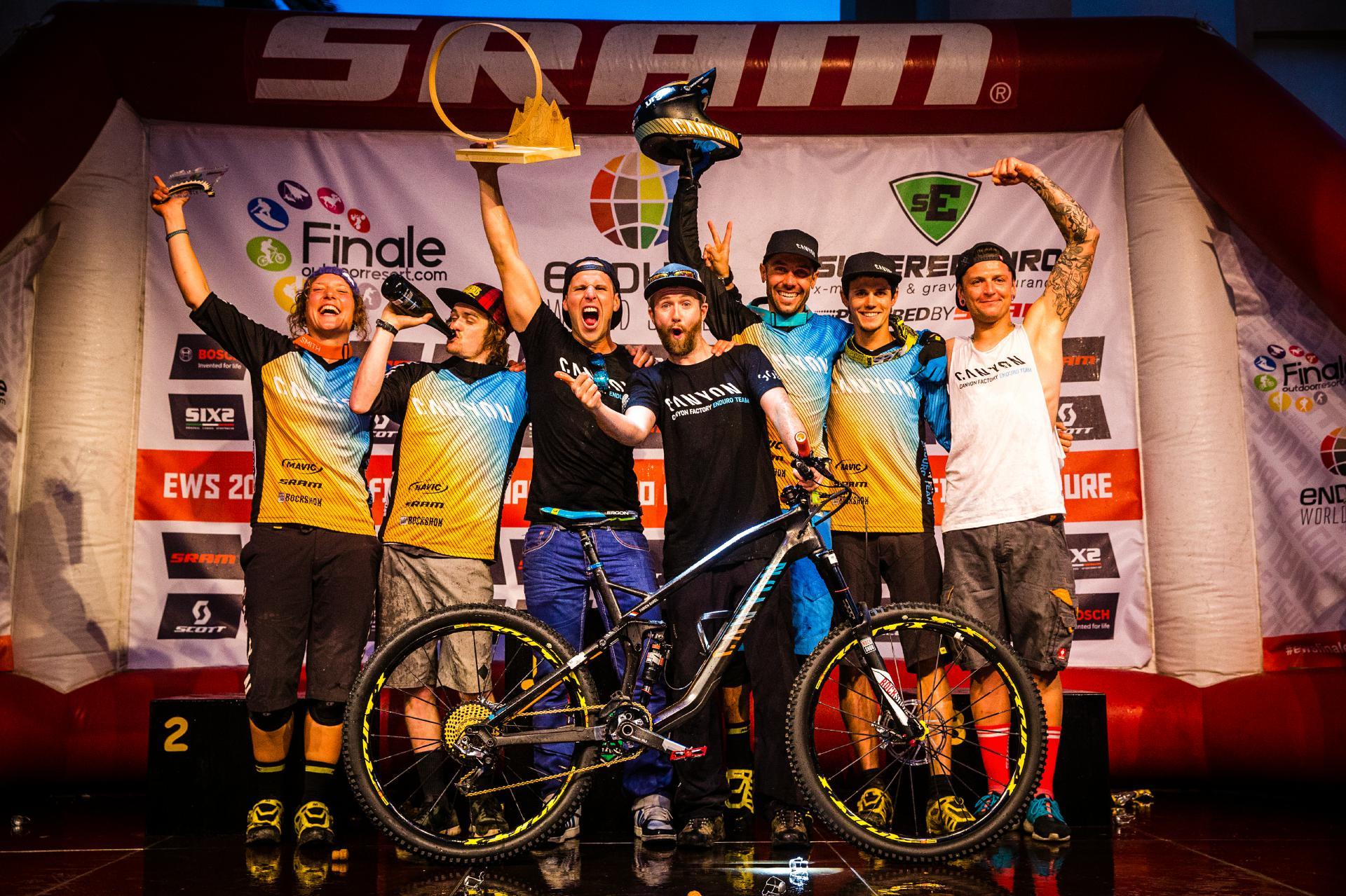 Das Canyon Factory Enduro Team konnte die Team-Gesamtwertung für sich entscheiden. Foto: Matt Wragg.