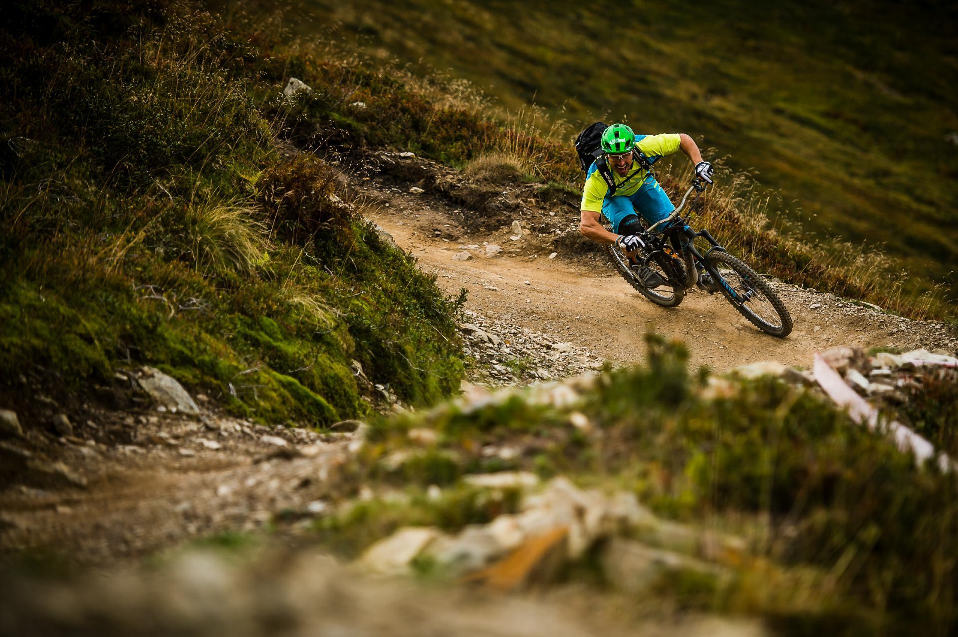 Österreichs Bike-Region Nr. 1: Saalbach Hinterglemm ist für seine abwechslungsreichen Trails und sein breit ausgebautes Wegenetz bekannt.