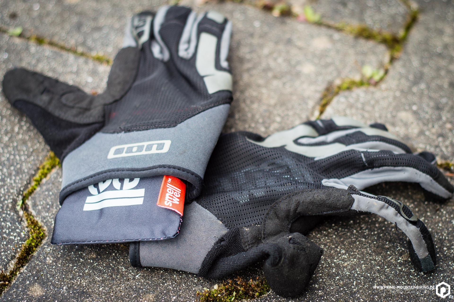 SmellWell kann bei jedem beliebigen Kleidungsstück angewendet werden. So auch bei diesen Handschuhen.
