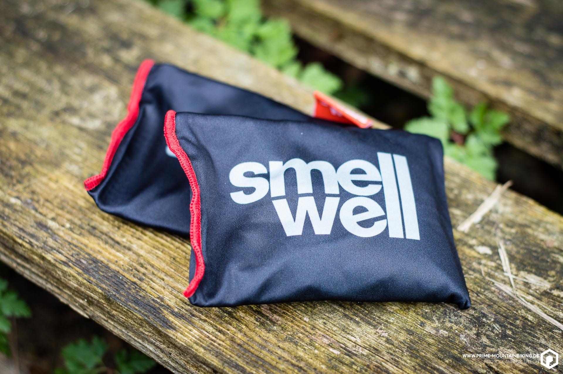Einmal ausgepackt, kann man die Kissen sofort verwenden und sie zur Eliminierung von unangenehmen Gerüchen in jeglicher Art von Textilien verwenden.