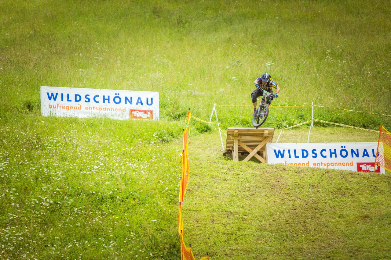Old-School: Der Prolog wurde auf Stage 6 ausgetragen, die als spaßiger Wiesenslalom abgesteckt war.