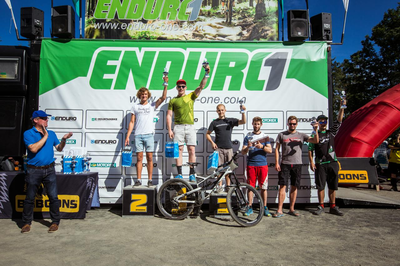 Das Podium der Amateure beim dritten Stopp der Enduro One Serie am Dünsberg.
