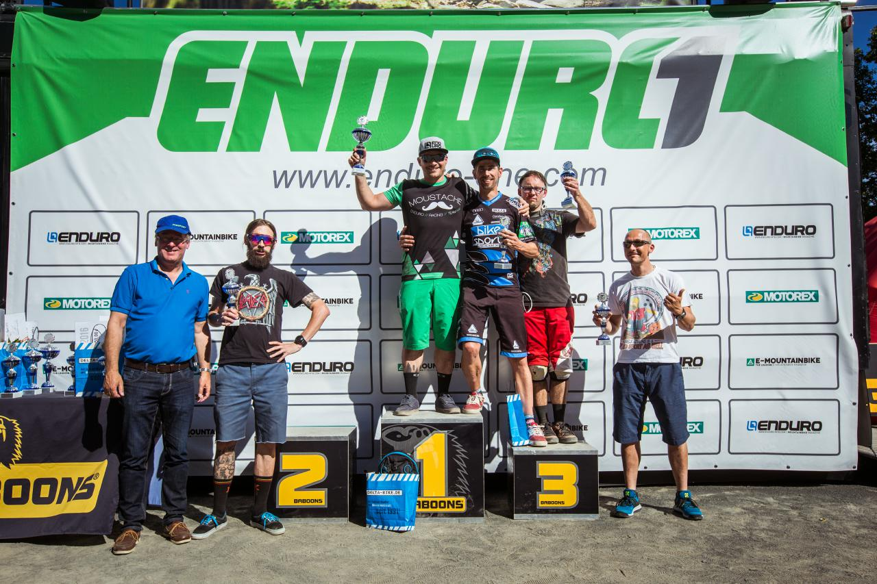Die schnellsten Senioren beim Enduro One Lauf am Dünsberg.