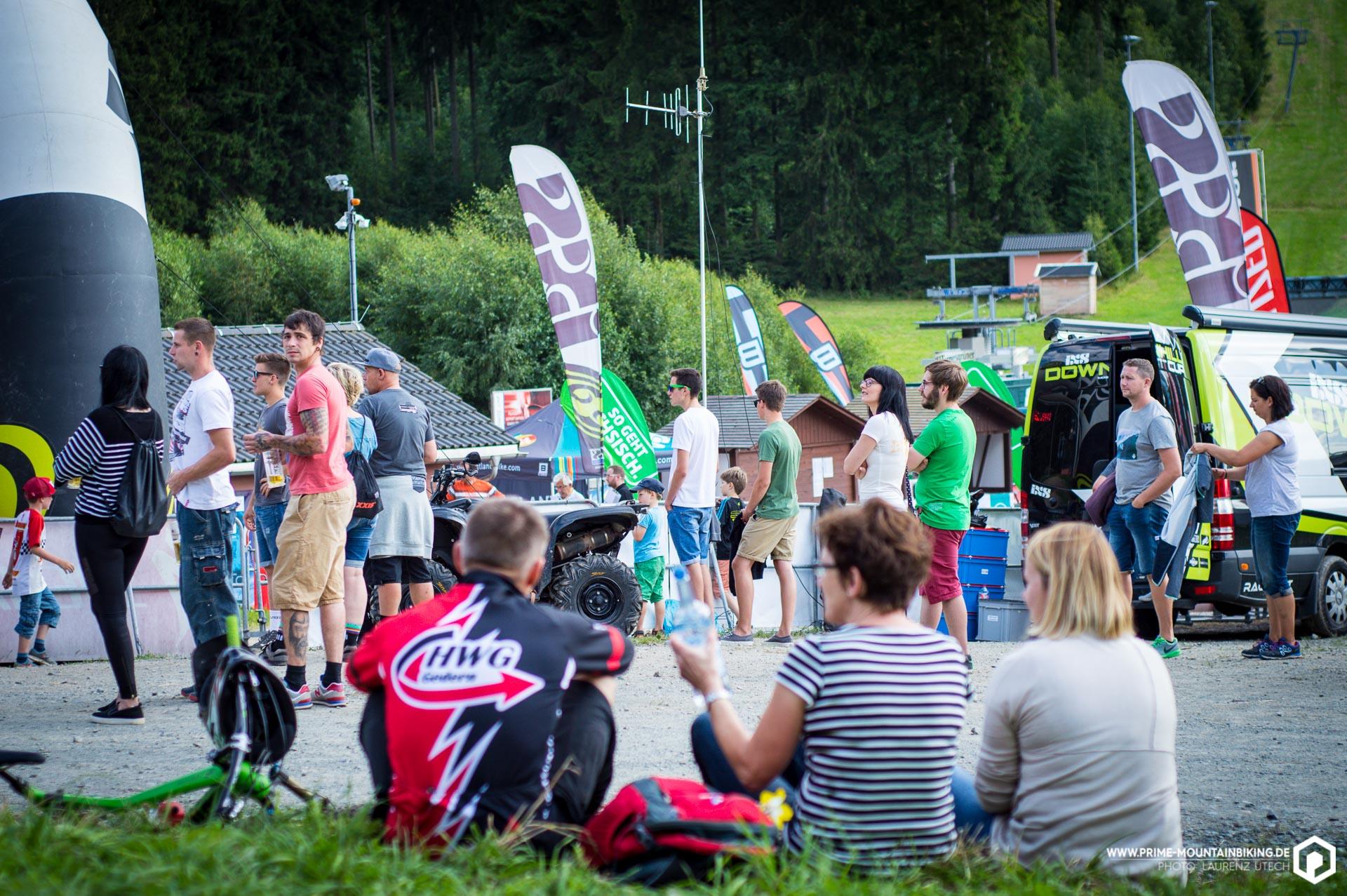 Der Zielsprung in Schöneck konnte Katapult ähnliche Kräfte entwickeln, was zum einen zu großem Erstaunen bei den Zuschauern und zum anderen leider auch zu so manchem Sturz führte.