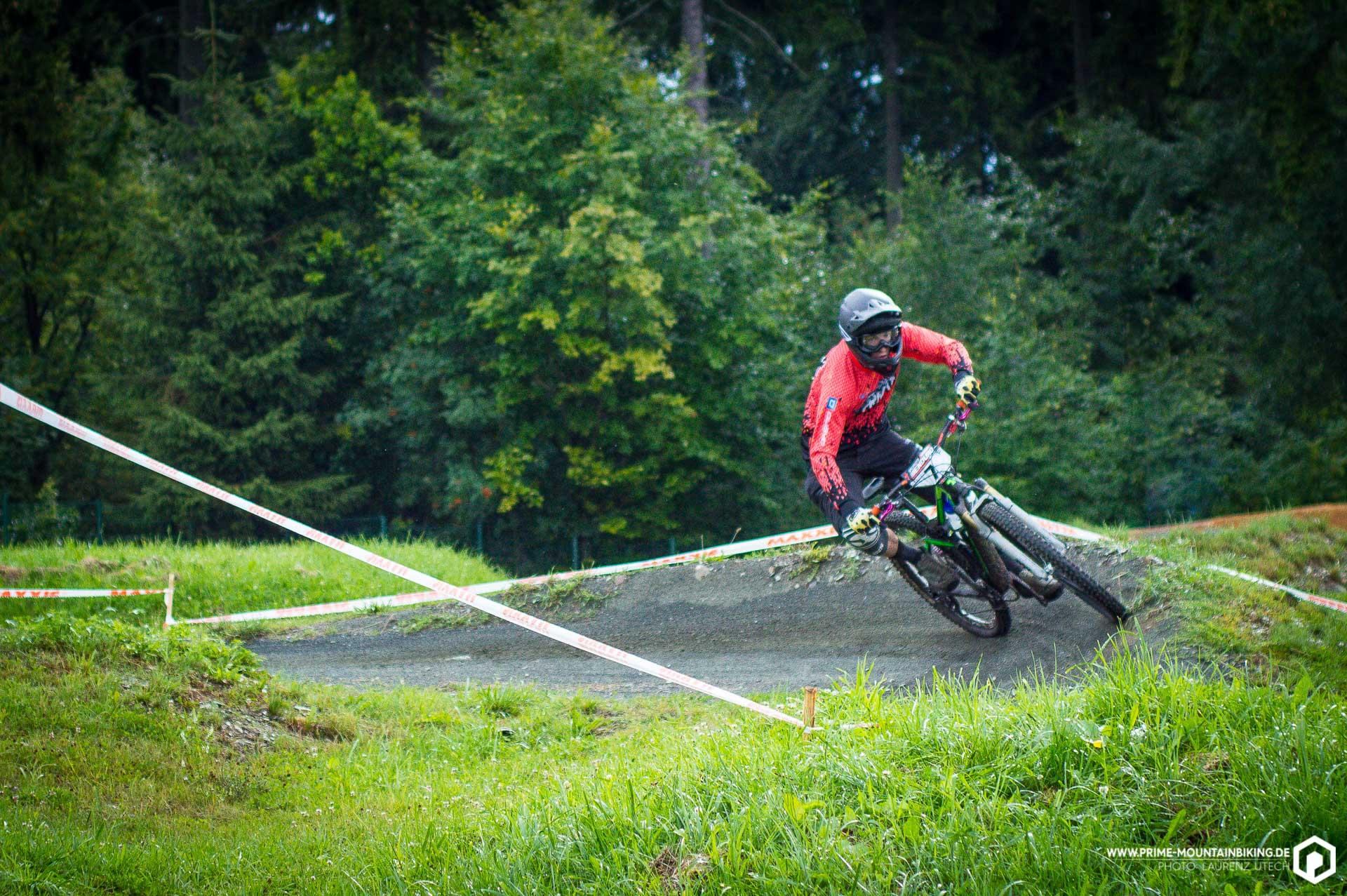 Nicht mehr als Berufsrennfahrer aber immer noch schnell unterwegs ist Kollege Ludwig Döhl vom Bike Magazin.