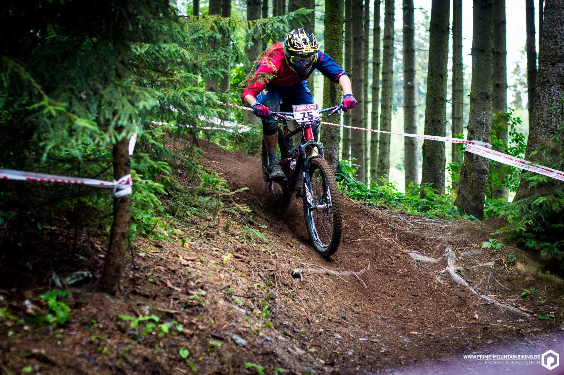 Trailtechs Patrick Kaufmann auf einem der wenigen trockenen Trailabschnitte.