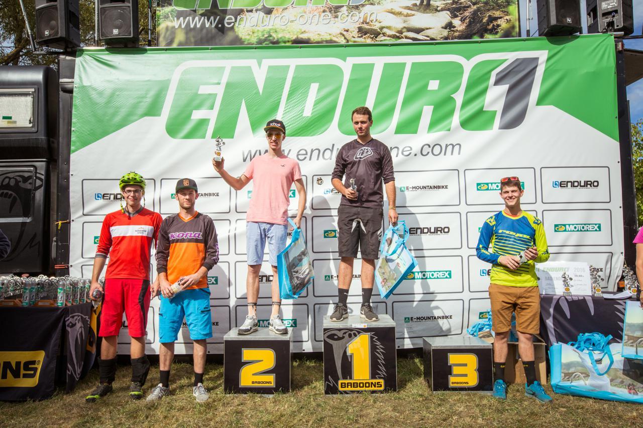 Fünf der sechs schnellsten Gästestarter vom Saisonfinale in Bad Endbach.