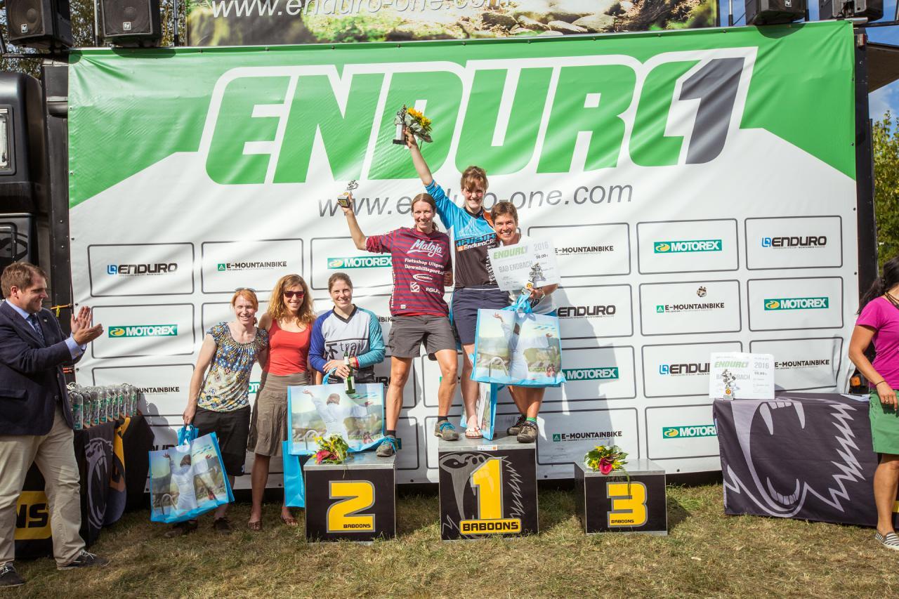 Das Podium der Damen beim Saisonfinale in Bad Endbach.