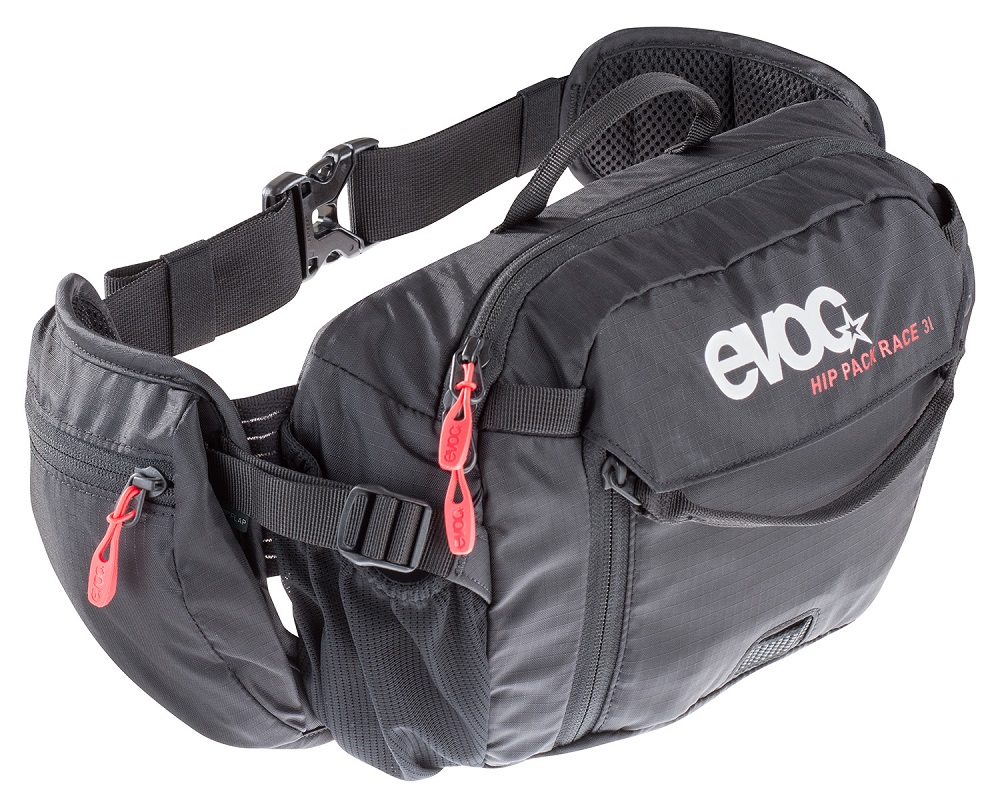 Die Hip Pack Race Hüfttasche von Evoc wartet mit vielen Features auf, wie zum Beispiel einem Werkzeugfach mit Schnellzugriff, einem Wasserreservoir oder einer Trinkflaschenhalterung.