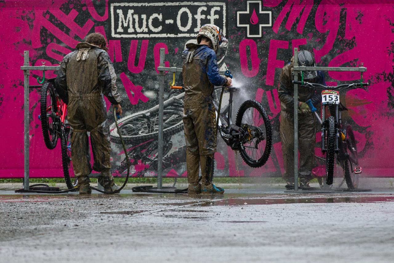 Der Muc-Off Bikewash erfreute sich größter Beliebtheit in Leogang.