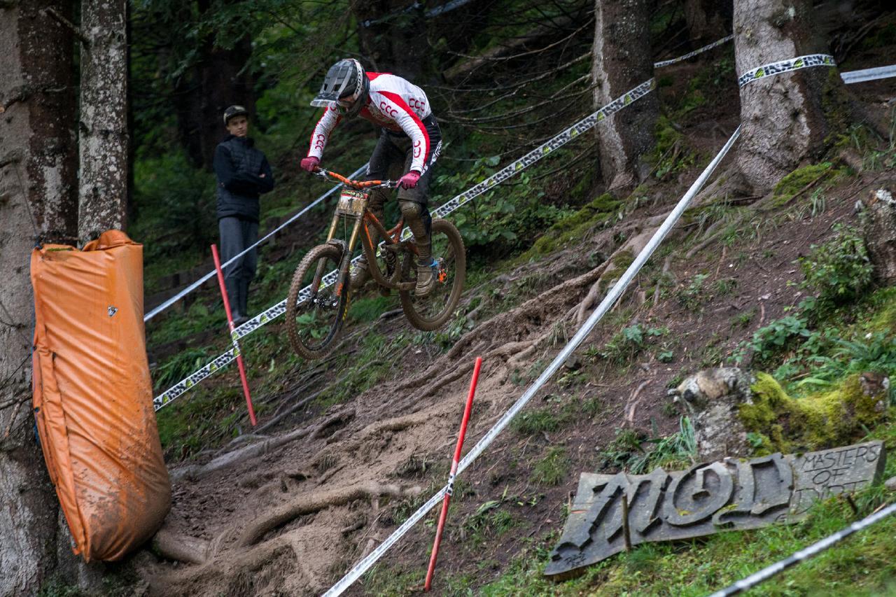 Der Regen hielt Slawomir Lukasik nicht davon ab, alles zu geben.