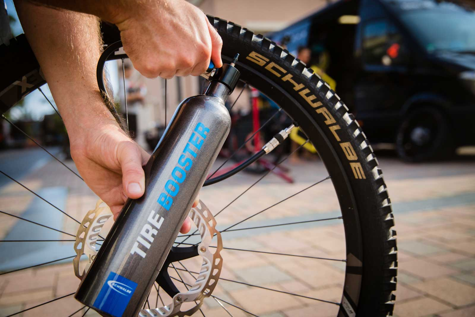 schwalbe-tire-booster-tubeless