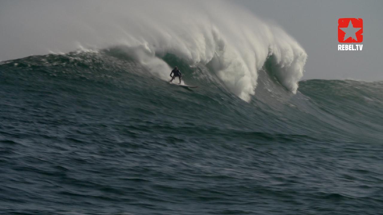 Für die REBEL Sessions ging es diesmal nach Südafrika zu Big Wave Surfen.