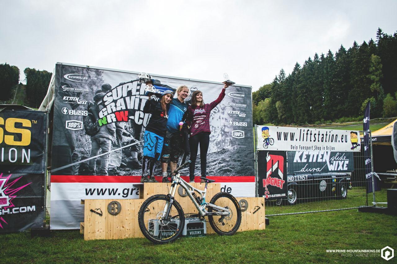 Die Gewinnerinnen des Super Gravity NRW Cups in Schmallenberg.