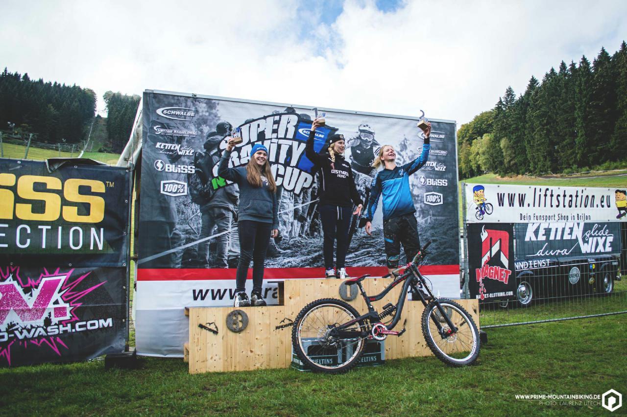 Die Super Gravity NRW Cup Gesamtsiegerinnen.