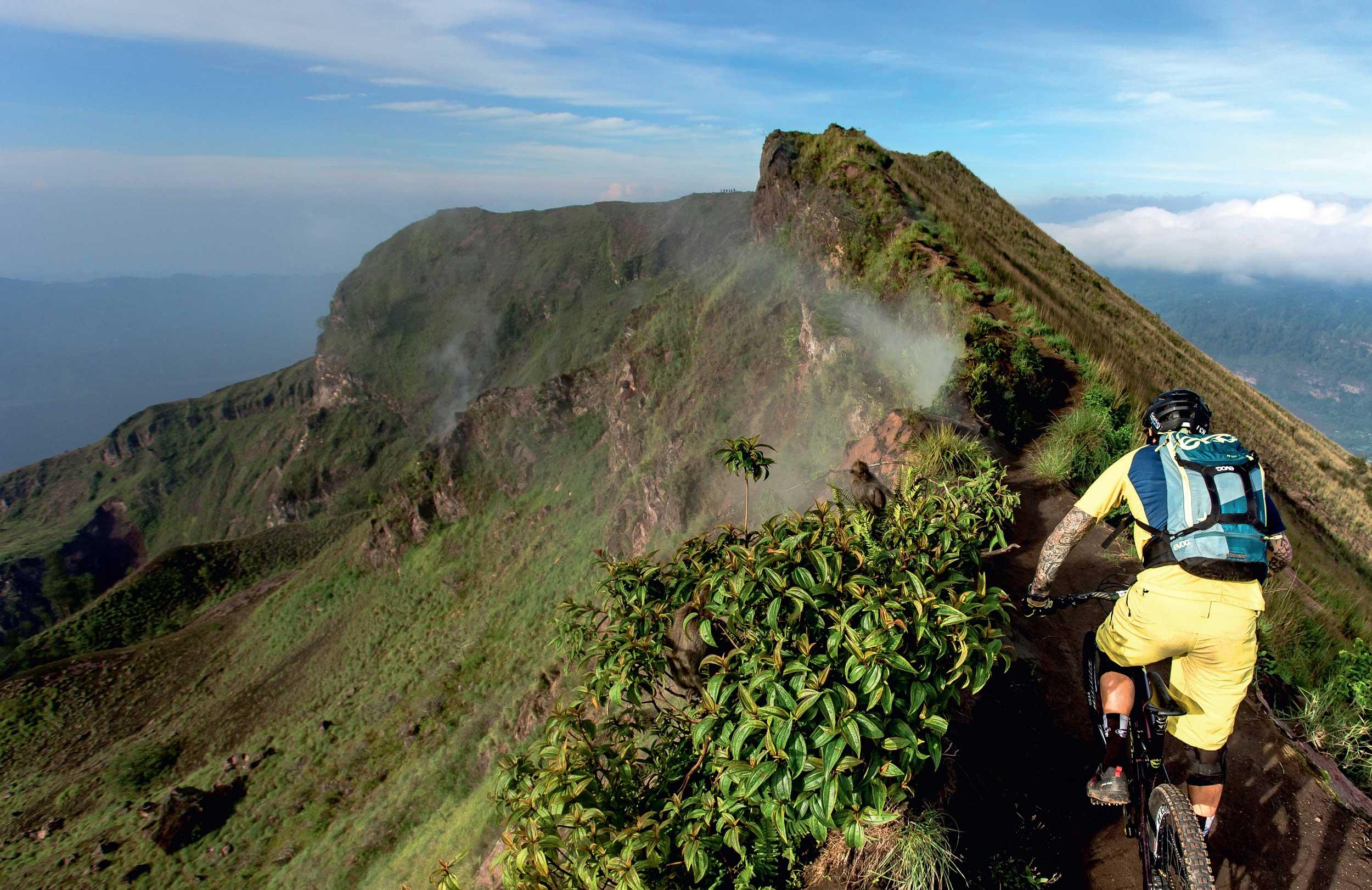 Traumhafter Ausblick auf einem der vielen kleinen Trails, die Bali zu bieten hat.