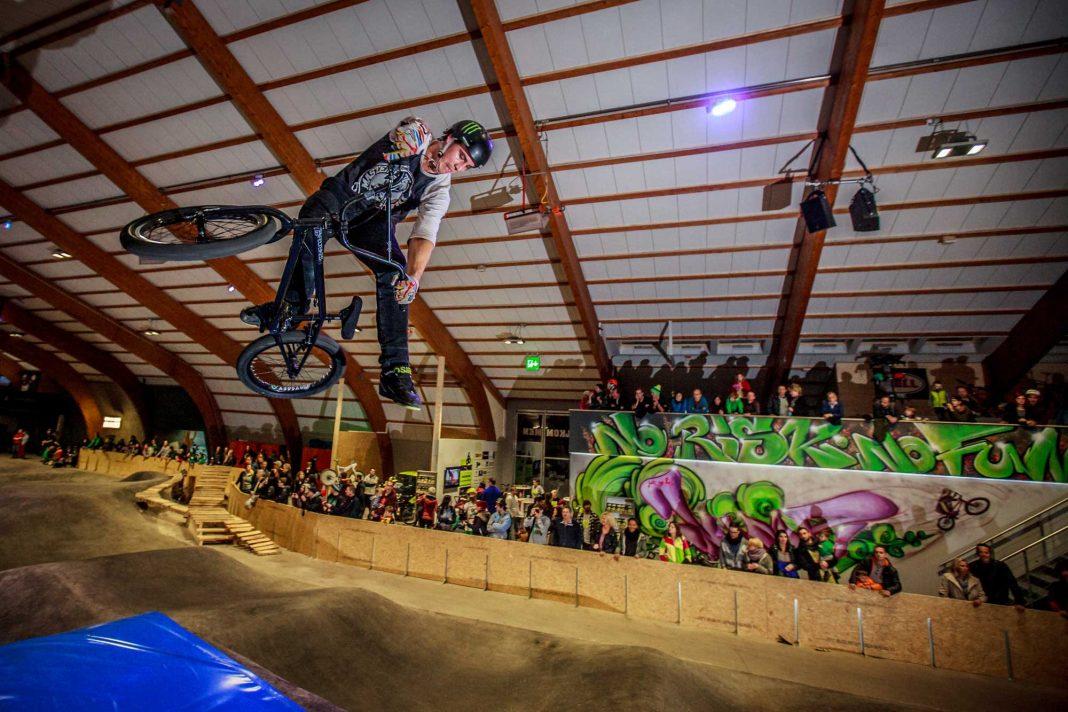 Die Eröffnungsfeier des Indoor Bikepark Pfäffikon