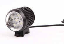 Der Lampenkopf der Magicshine MJ-879 mit 5 LED und bis zu 2000 Lumen