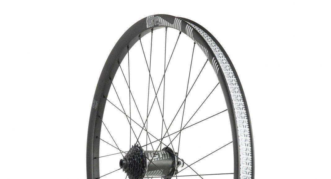 Ethirteen LG1: Hinterrad mit Carbon Felge und 7fach Kassette