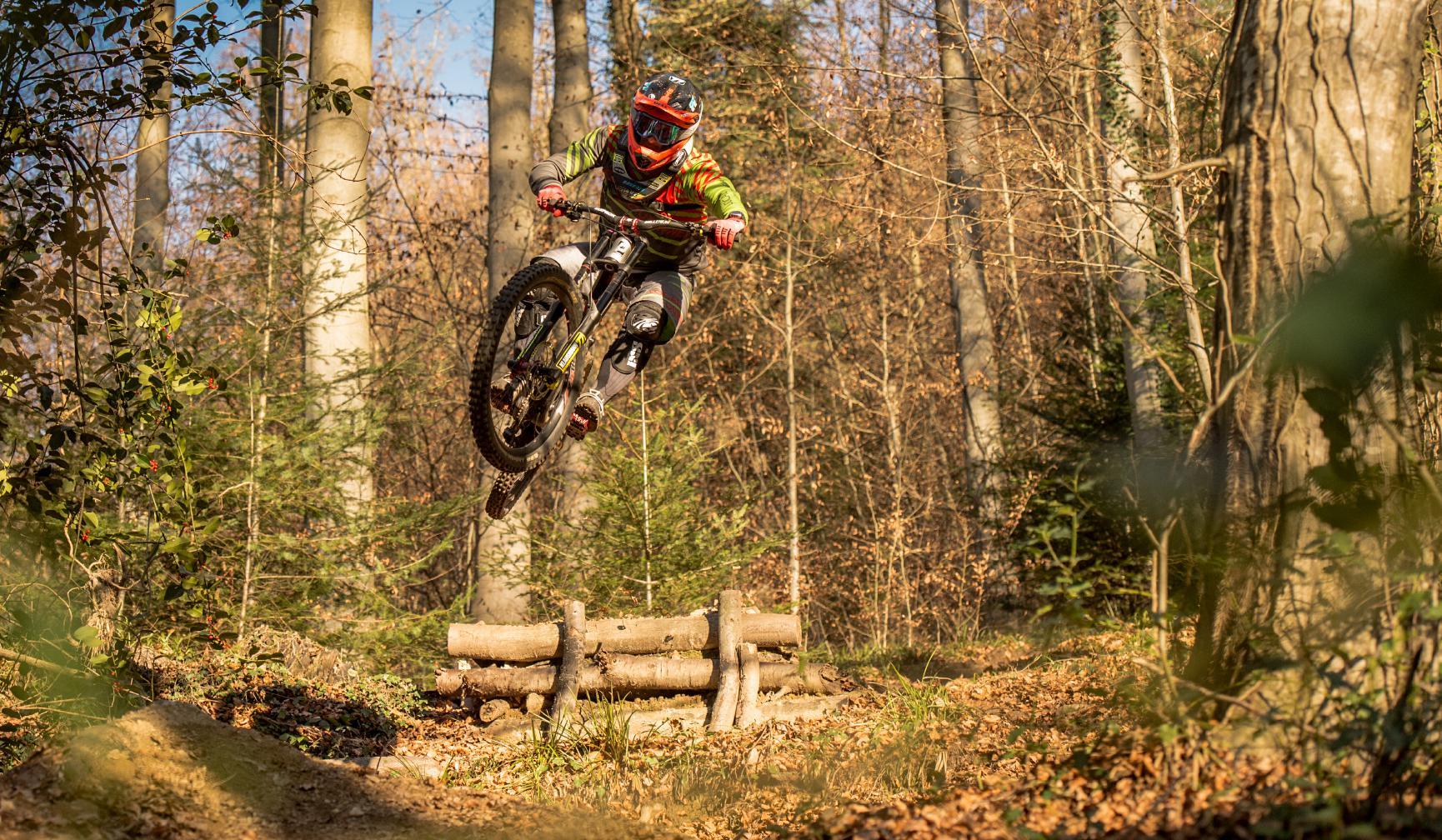 Bei dern Propain Performance Days können Propain Kunden ab sofort mit der Downhill Legende Marcus Klausmann fahren und fachsimpeln.