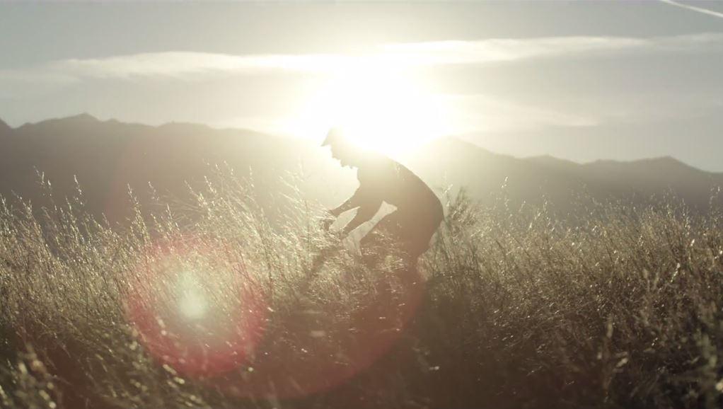 Dieses Bild, das eher an eine Szene aus 300 erinnert, als an deine letzte Radtour, ist aus unserem ersten Pick - erkennst du ihn?