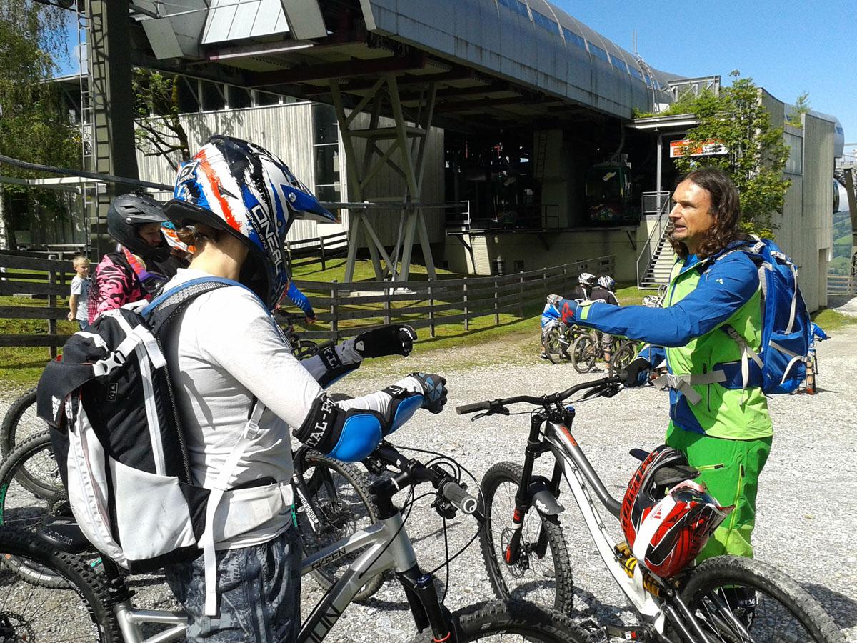 Die kostenlosen Bike Camps im Sommer 2017 von SAAC finden unter anderem im Bikepark Wagrain statt!