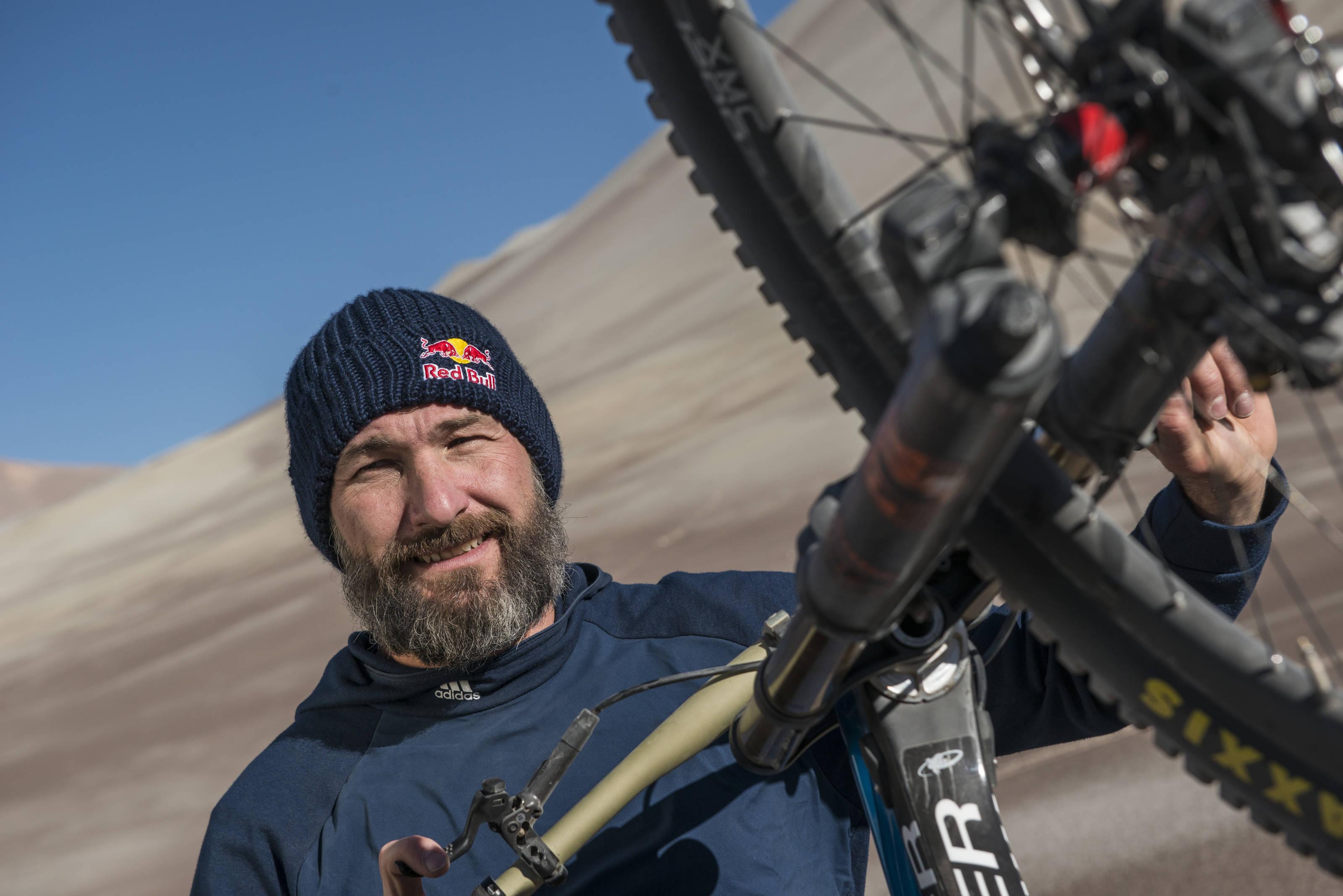 Das Projekt V-Max hat den Weltrekordler Markus Stöckl ein jahr auf seinem beschwerlichen Weg Richtung Geschwindigkeits-Rekord begleitet.