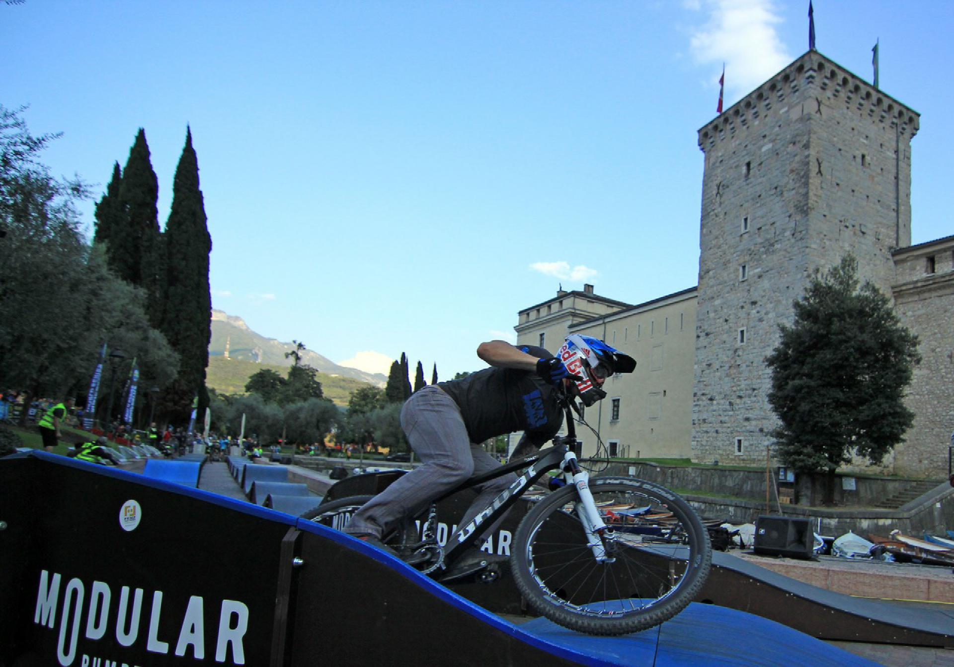 Beim Pump Battle auf den Bike Festivals in Riva und Willingen wird mit neuem Konzept um die Wette gepumpt.
