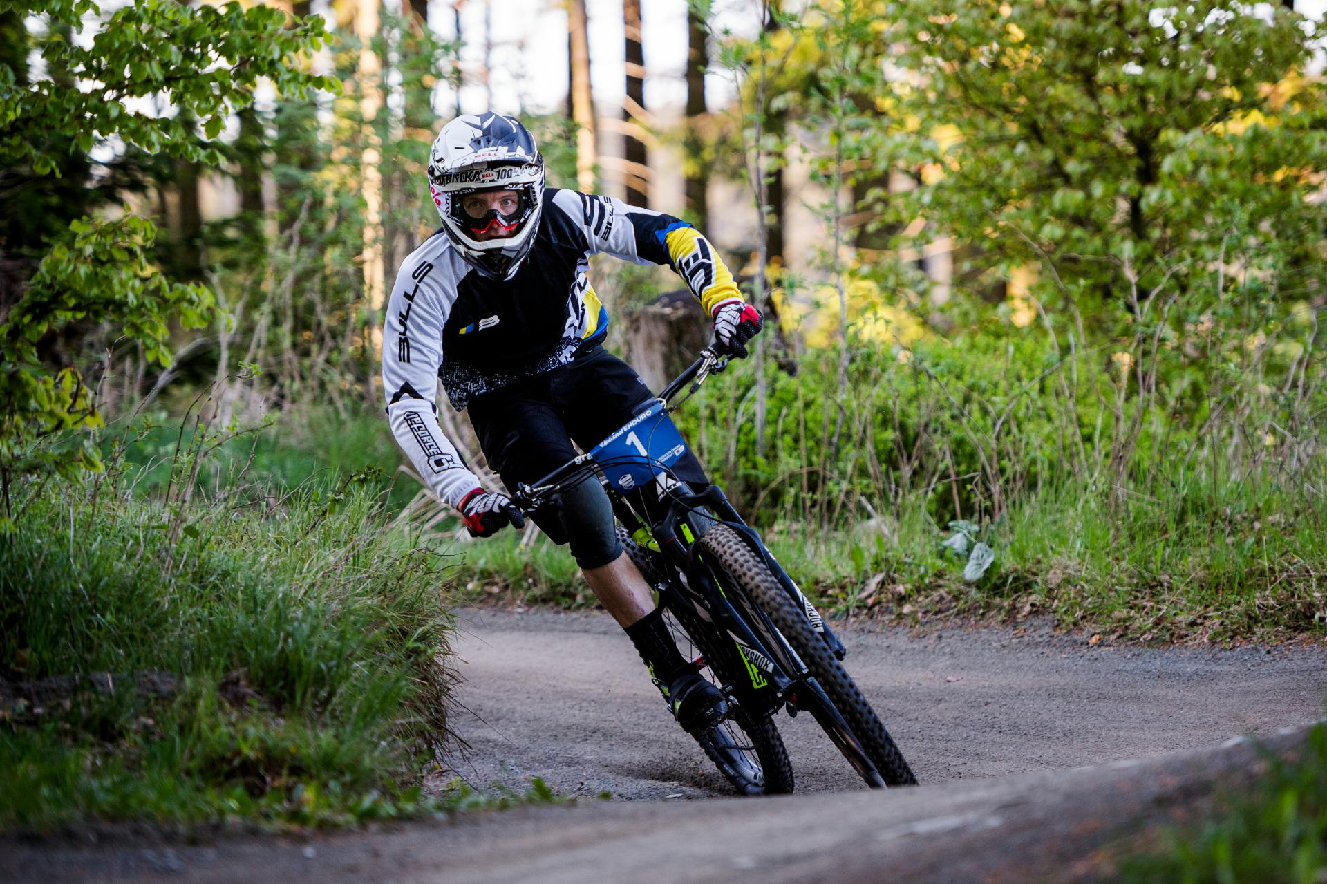 Christian Textor verpasste um ein Haar die Titelverteidigung bei der Enduro Deutschen Meisterschaft im Rahmen des Scott Upland Endurorennens am vergangenen Wochenende.