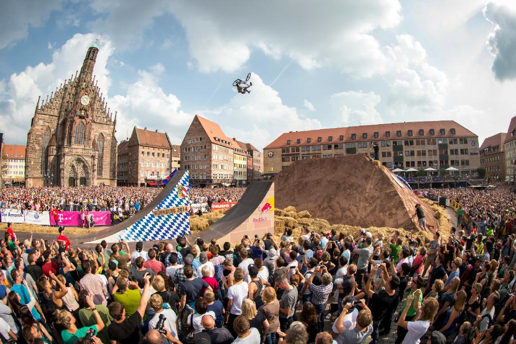Zum Red Bull District Ride 2017 werden über 70.000 Zuschauer erwartet!