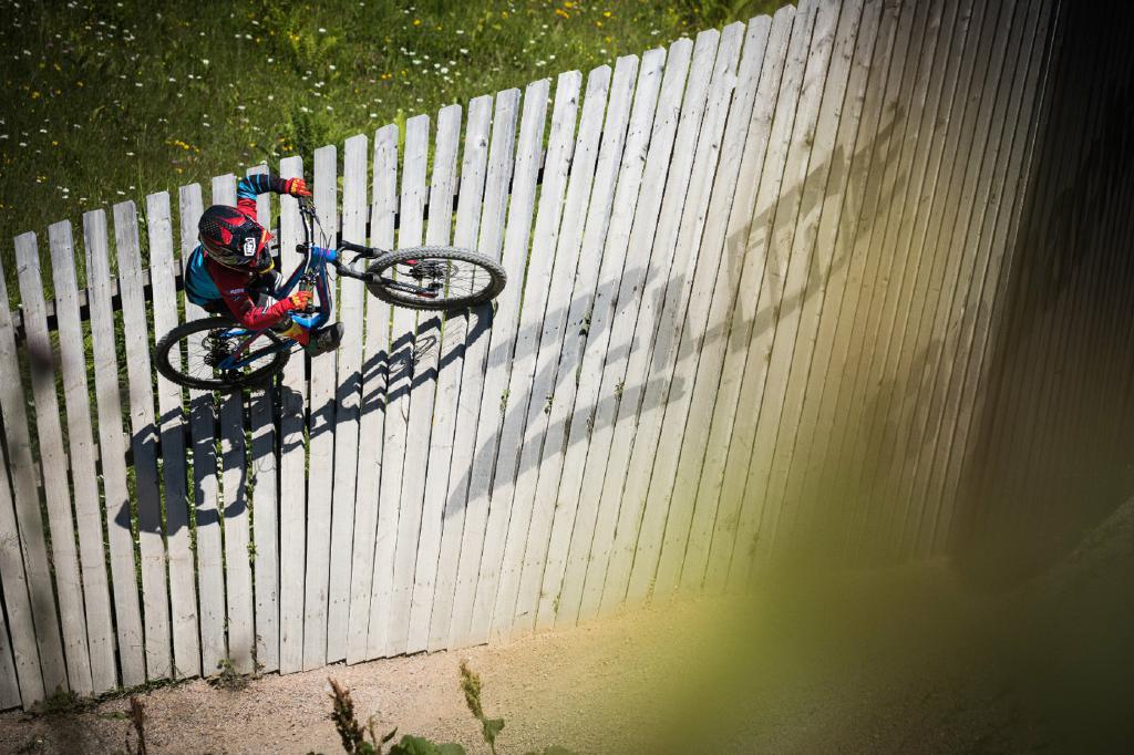 Auf dem kleinen Yuma über große Hindernisse - kein Problem für Gravity Kid Johann.