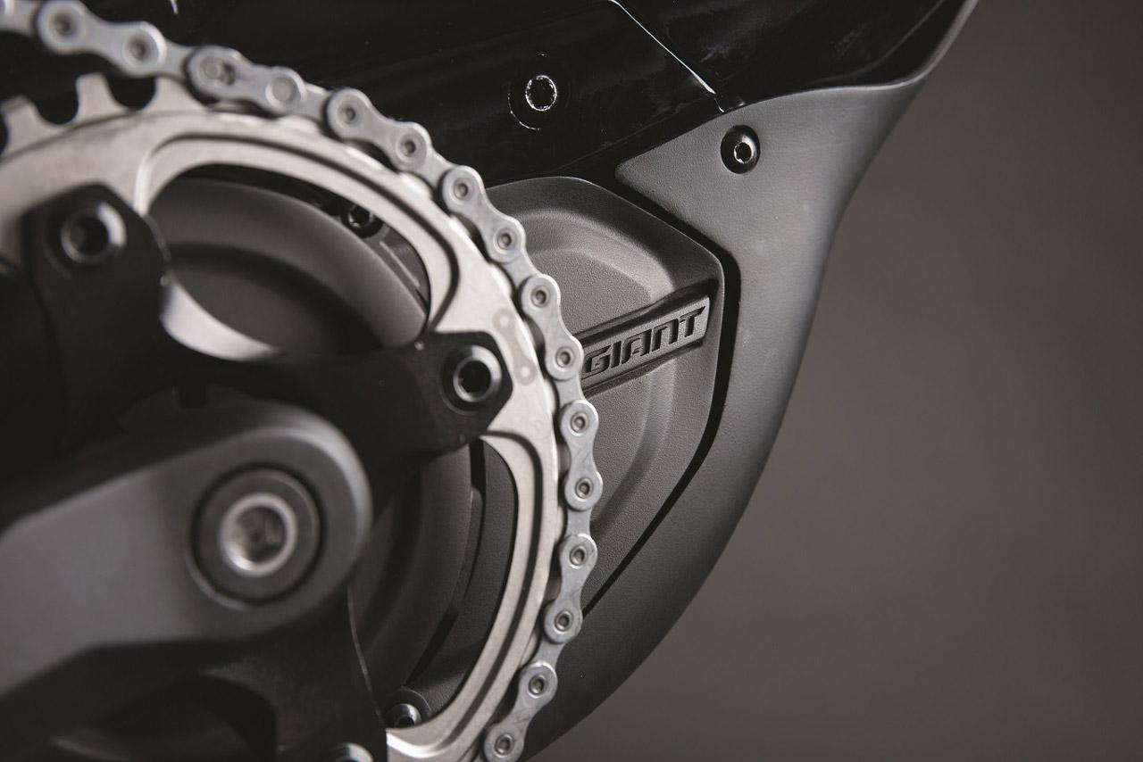 GIANT enthüllt neue Full-Suspension E-Bikes